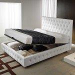 Кровати из массива дерева с подъемным механизмом